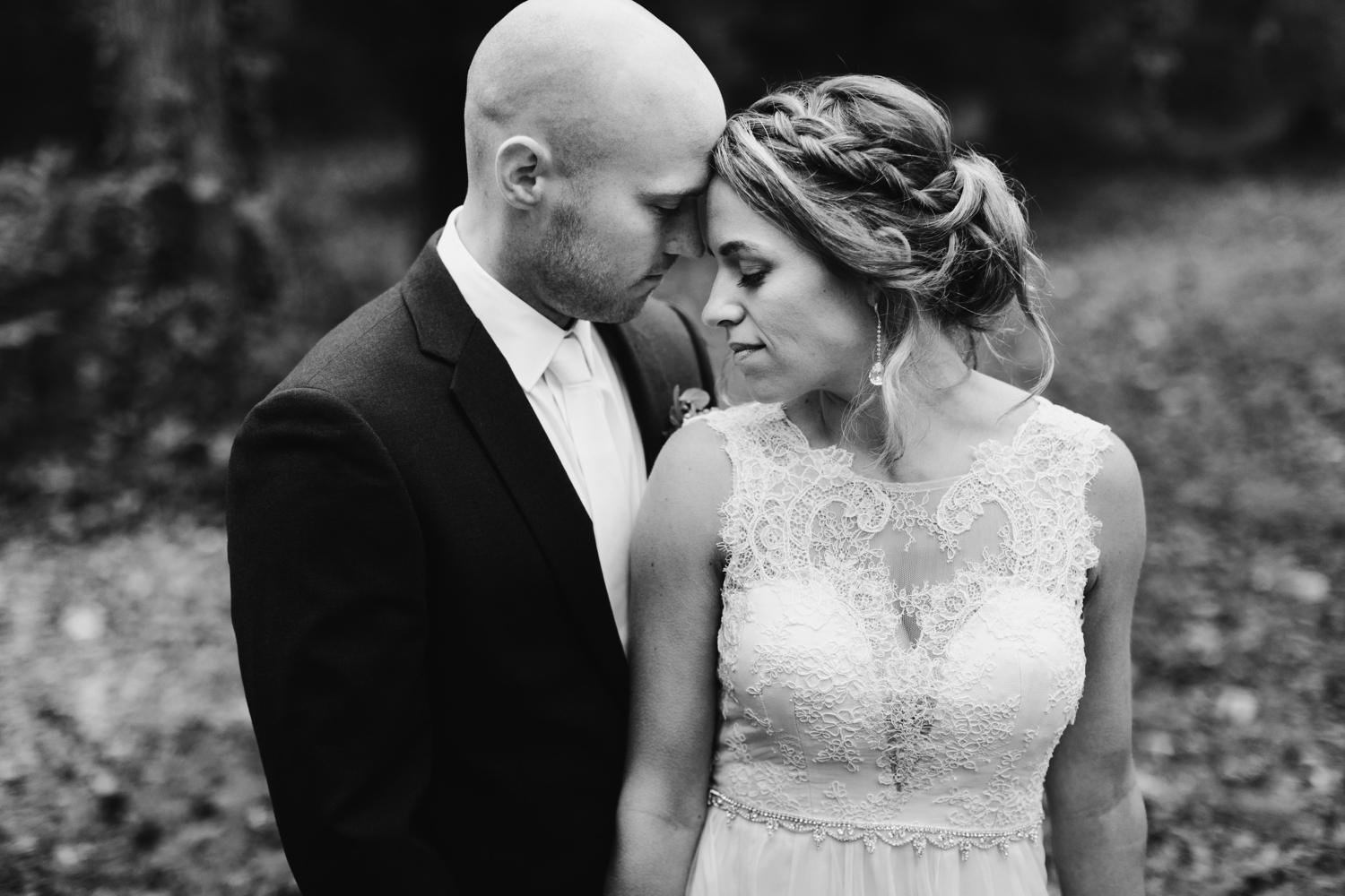 Baltimore wedding photographer outdoor Maryland wedding ceremony   forest earthy Annapolis wedding   outdoor bride and groom portraits