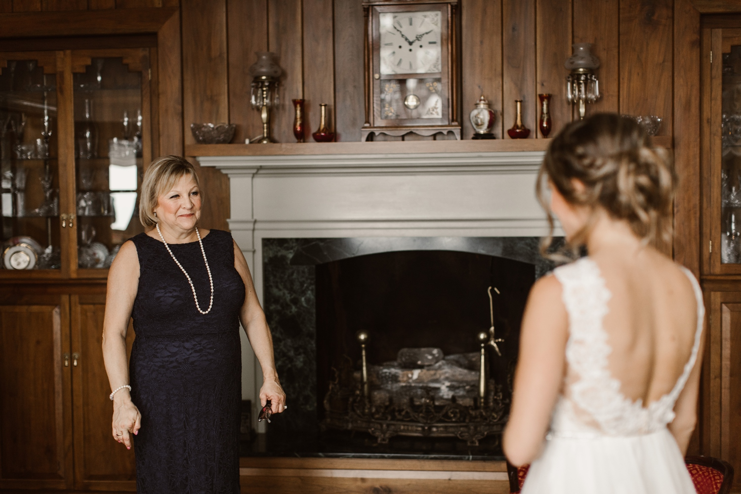 Baltimore wedding photographer outdoor Maryland wedding ceremony   forest earthy Annapolis wedding   mother and bride getting ready portraits