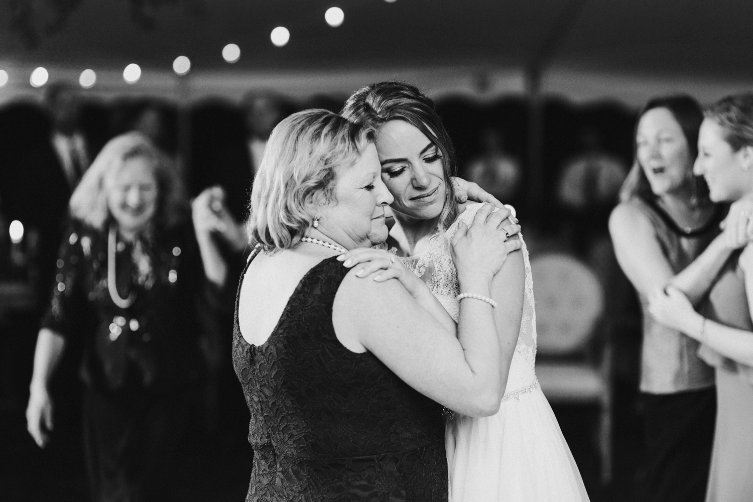 Baltimore wedding photographer outdoor Maryland wedding reception bride and mother dance