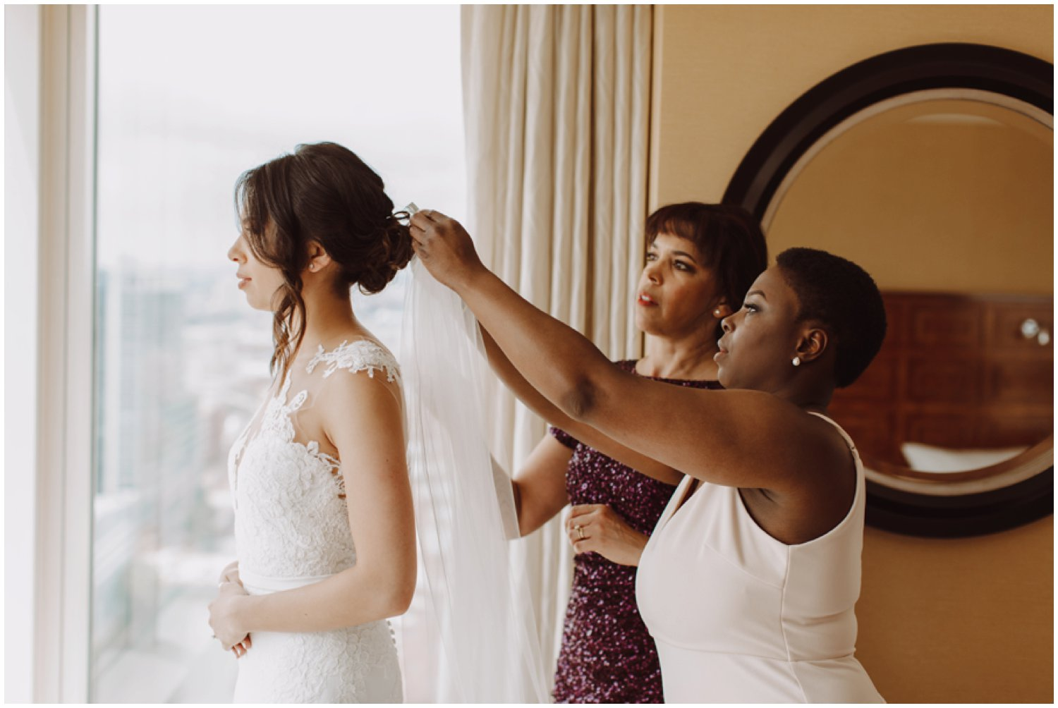 Baltimore wedding photographer | bridal getting ready portraits | Baltimore Maryland wedding