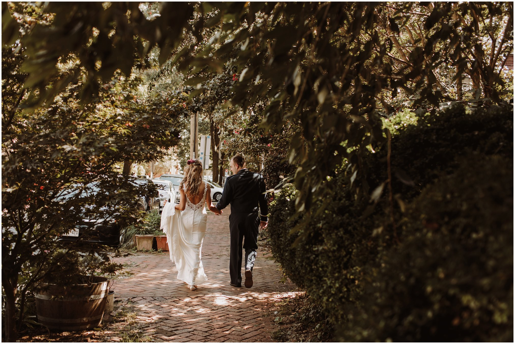 Bride and Groom Downtown Annapolis Wedding Pictures