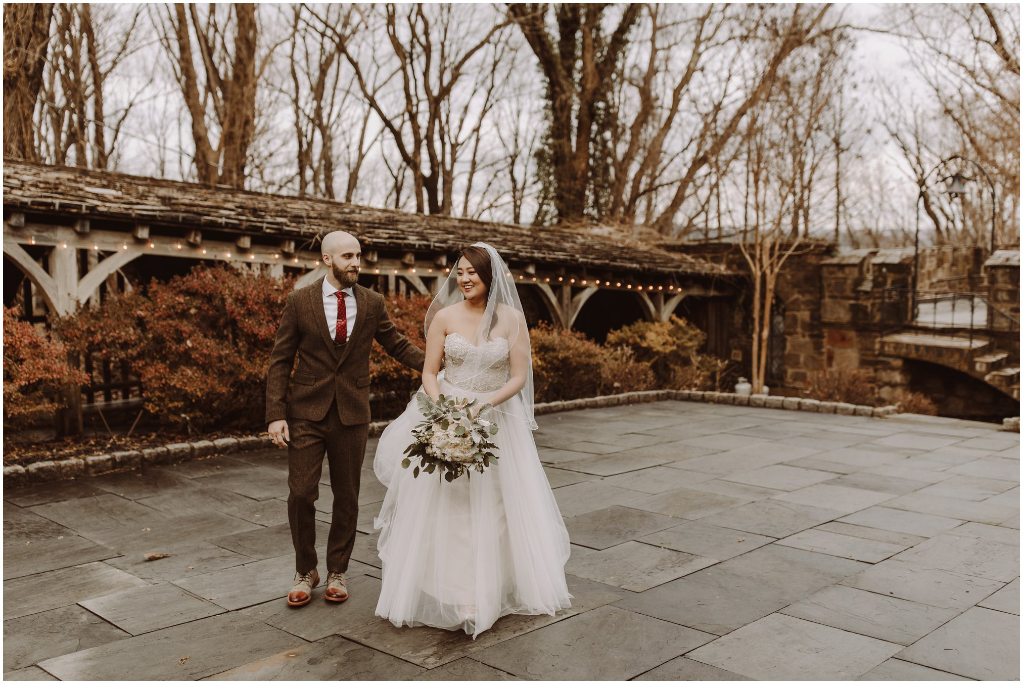 Bride and Groom Pictures at Cloisters Castle