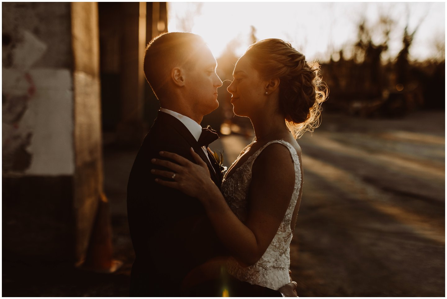 golden hour wedding pictures
